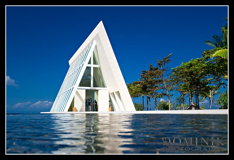 Bali-Infinty-chapel-wedding