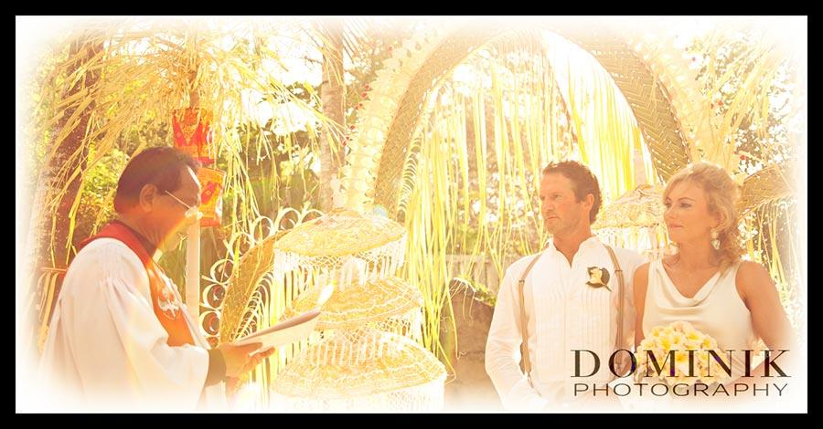 Bali Lembongan Beach Wedding Photo
