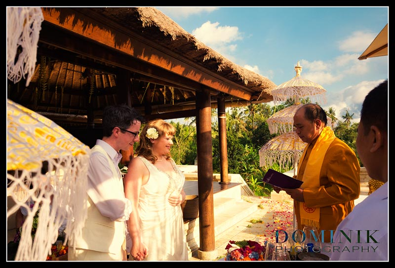 Bali wedding photographs Buddhist