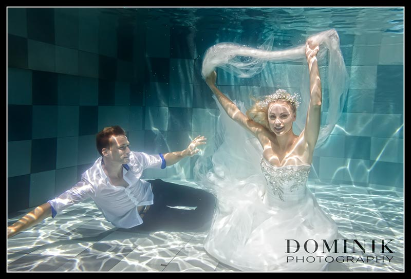 0011-Underwater wedding photographer