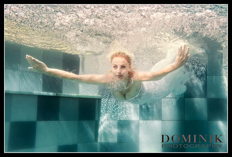 0013-Underwater wedding photographer